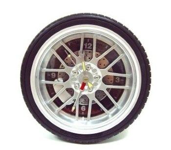 часы в виде колеса